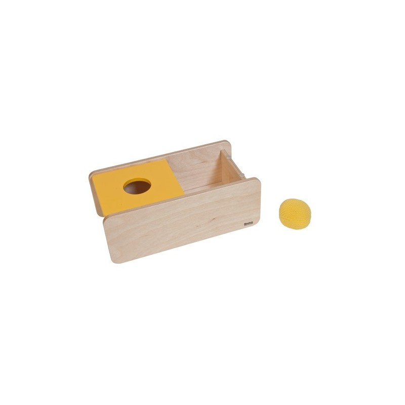 imbucare kasten mit gelben deckel und einem gestrickten ball pruefl kg. Black Bedroom Furniture Sets. Home Design Ideas